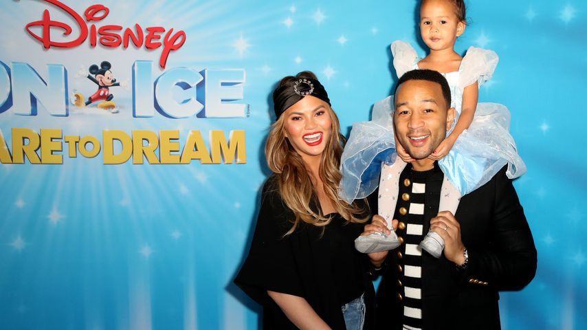 "Chrissy Teigen, John Legend und Tochter Luna bei der ""Dare to Dream""-Disney-Party 2018"