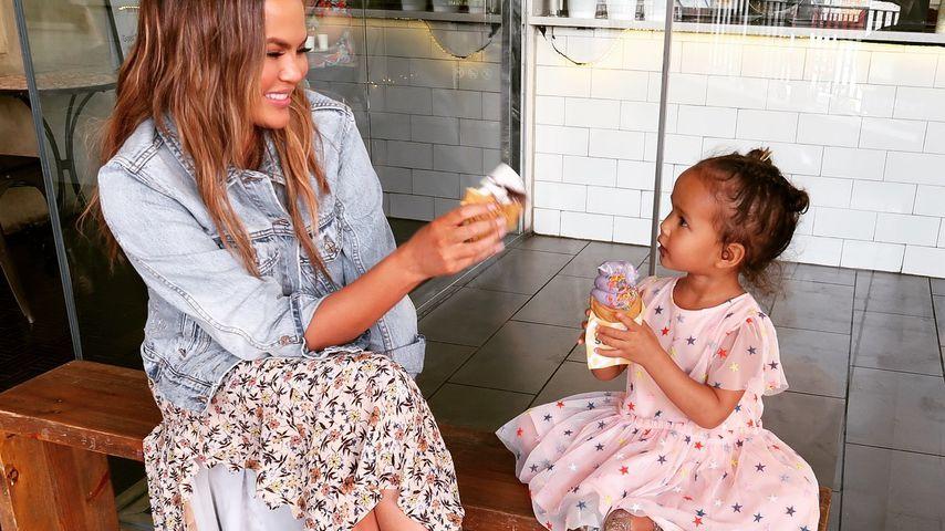 Chrissy Teigen und ihr Töchterchen Luna