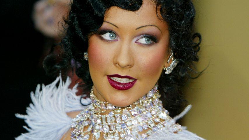 Christina Aguilera mit schwarzen Haaren