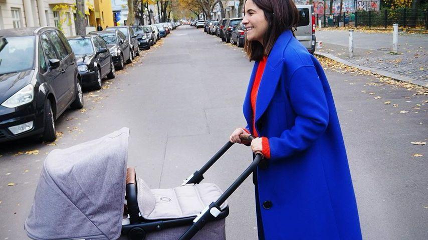 Chryssanthi Kavazi mit Kinderwagen