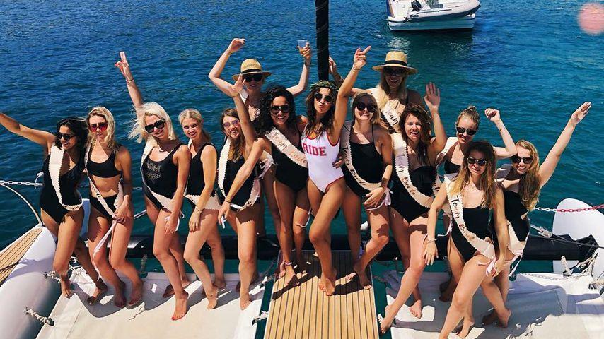 Chryssanthi Kavazi und ihre Mädels an ihrem JGA