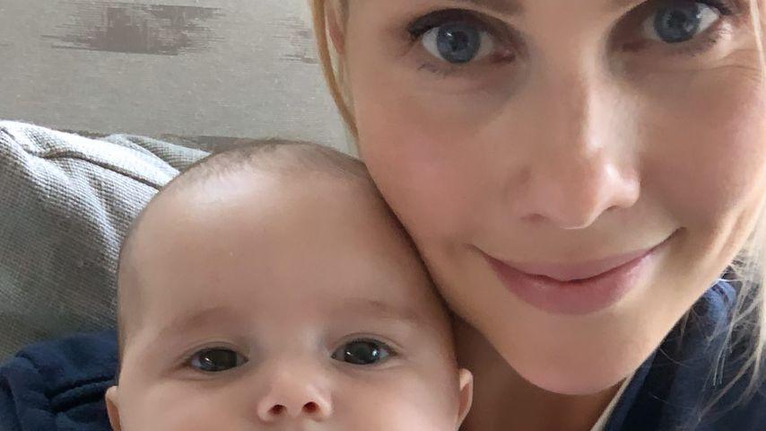 Claire Holt mit ihrer Tochter