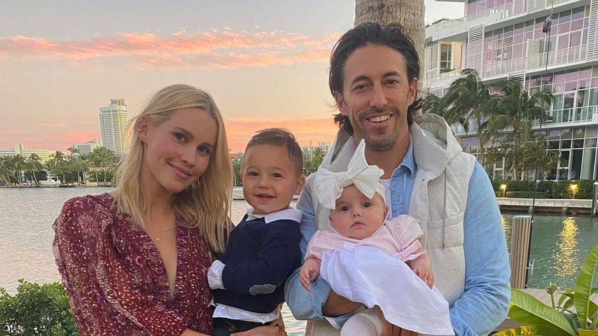 Claire Holt und ihr Mann Andrew Joblon mit ihren beiden Kindern