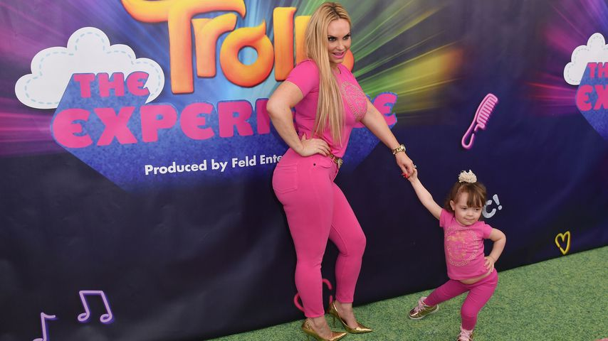 """Coco Austin mit Töchterchen Chanel Nicole bei der Premiere von """"Trolls"""""""