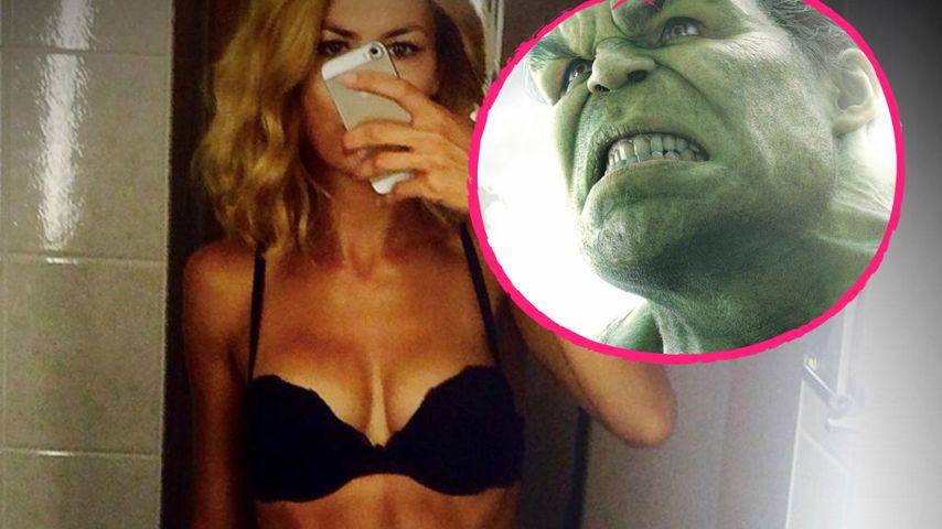 "Model Fiona Erdmann und der ""Avengers""-Hulk"