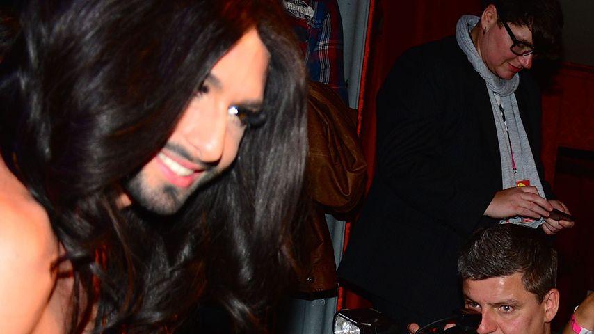 Conchita Wurst trifft den ältesten ESC-Fan wieder