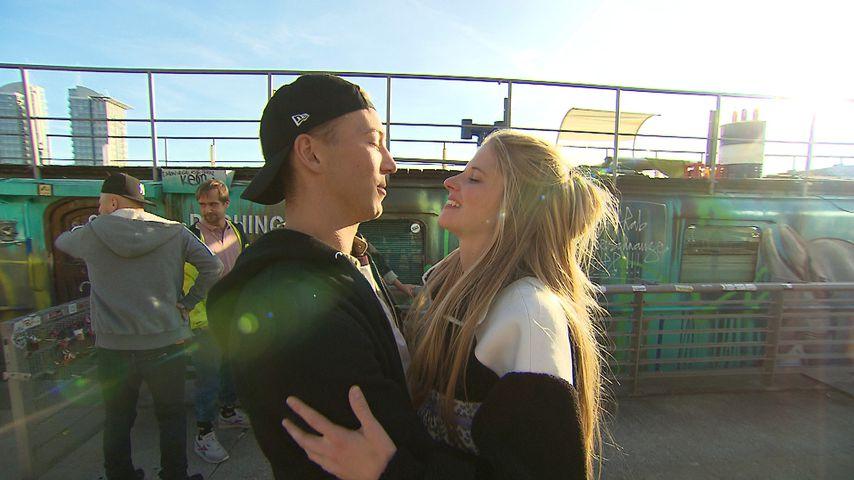 "Connor (Jakob Grün) und Toni (Katharina Kock) am ""Berlin - Tag & Nacht""-Hausboot"