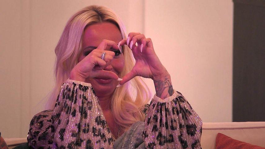 """Cora Schumacher in der vierten Folge von """"Coras House of Love"""""""