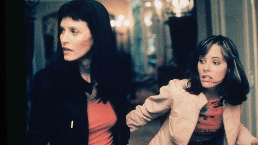 """Courteney Cox und Parker Posey in """"Scream 3"""""""