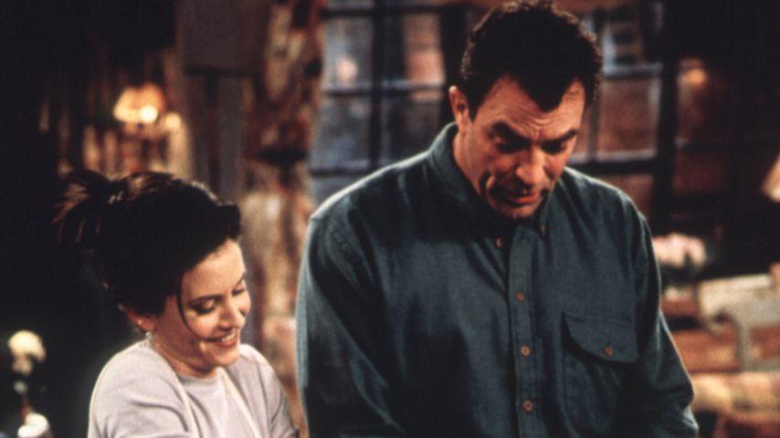 """Courteney Cox und Tom Selleck in """"Friends"""""""