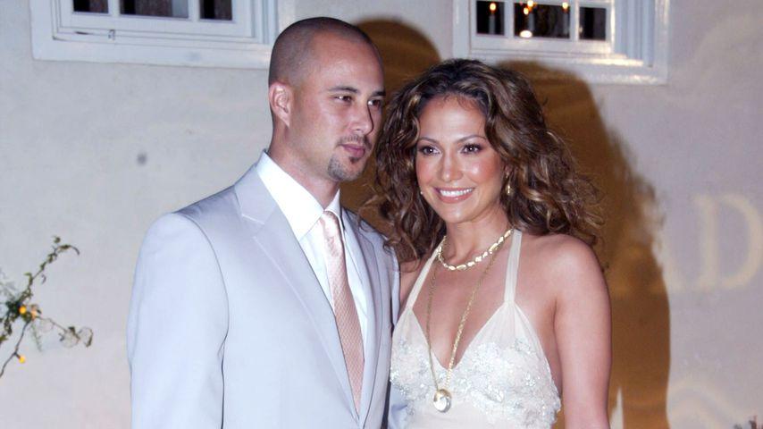 Cris Judd und Jennifer Lopez im April 2002