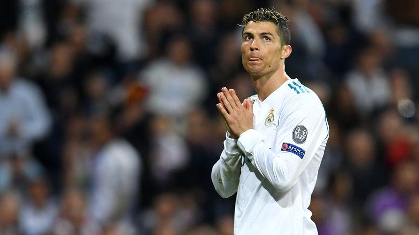 """""""Gesegnet"""": Cristiano Ronaldo posiert süß mit seinem Baby!"""