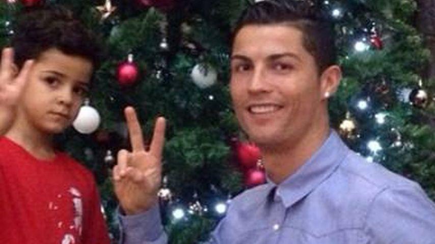 Papa-Sohn-Pic: Cristiano Ronaldos Baum steht schon