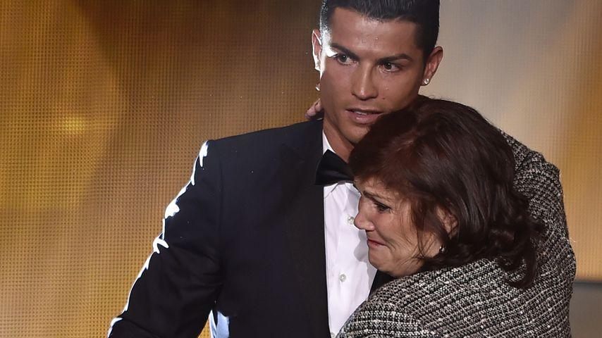 Cristiano Ronaldo und seine Mutter Dolores bei einem Event in Zürich 2015