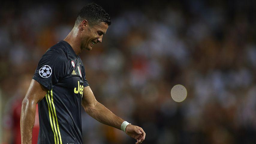 Nach Roter Karte geht Cristiano Ronaldo heulend vom Platz!