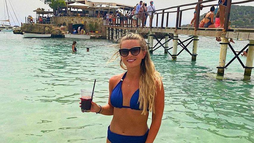 Dani Dyer im Urlaub