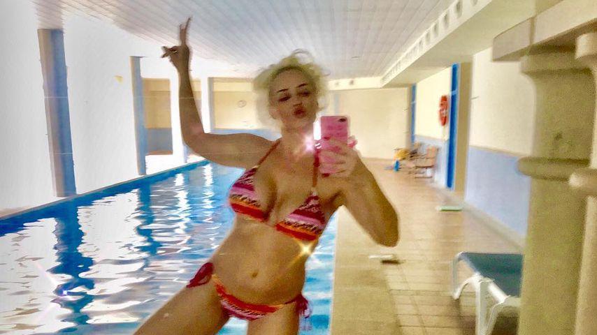 Brüste in Slowmotion: Dani Katzenberger als sexy Bikini-Nixe