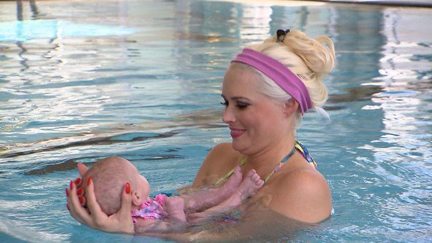 Daniela Katzenberger und Sophia Cordalis beim Baby-Schwimmen