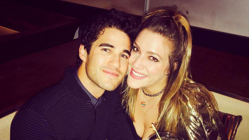 Darren Criss mit seiner Verlobten Mia Swier