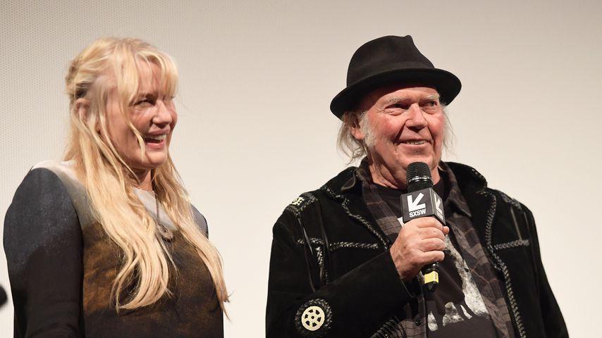 """Daryl Hannah und Neil Young bei der """"Paradox""""-Premiere in Austin, Texas"""