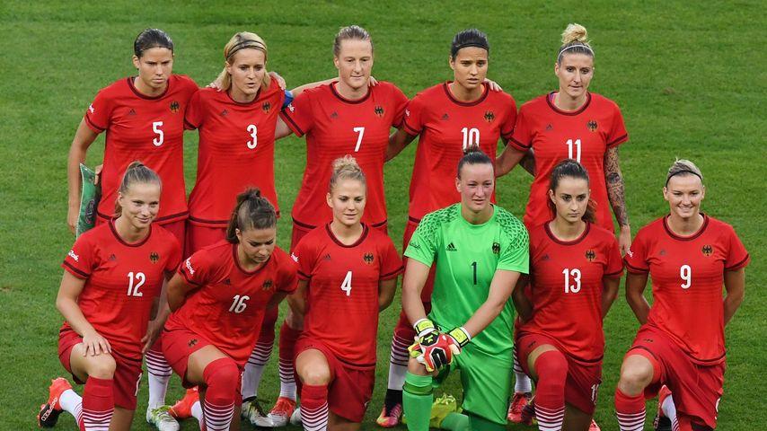 Das Team der deutschen Fußballerinnen beim Gruppenfoto vor dem Olympia-Finalspiel in Rio