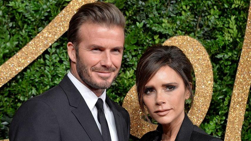 X-Mas-Kuss: David & Victoria Beckham beim Knutschen ertappt