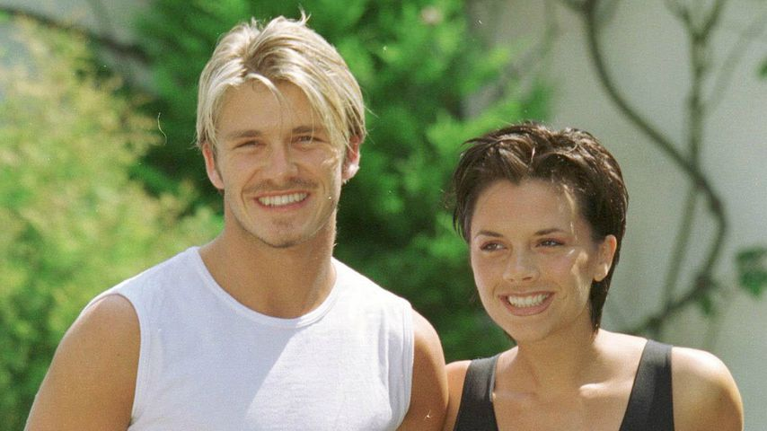 David Beckham mit seiner Victoria im Sommer 1999
