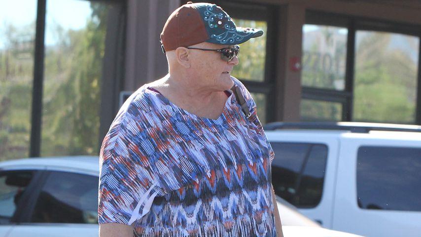 Debbie Rowe mit Glatze nach der Krebsbehandlung