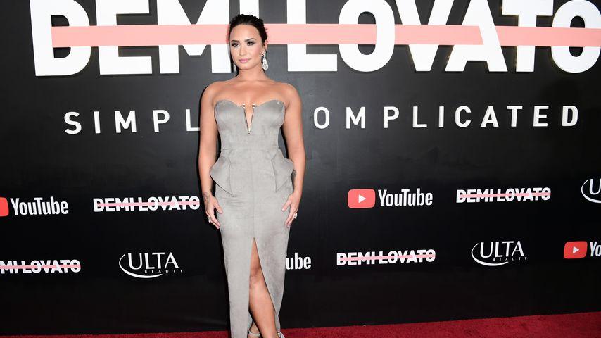 Kritik mit Putin-Tanga: Demi Lovato protestiert!