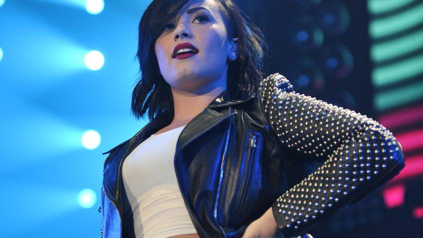 """""""Alles vollgepis*t!"""": Tätowiererin beschuldigt Demi Lovato"""