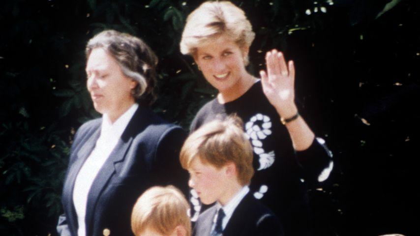 Prinzessin Diana mit ihren Söhnen Harry und William und der Nanny der Jungs