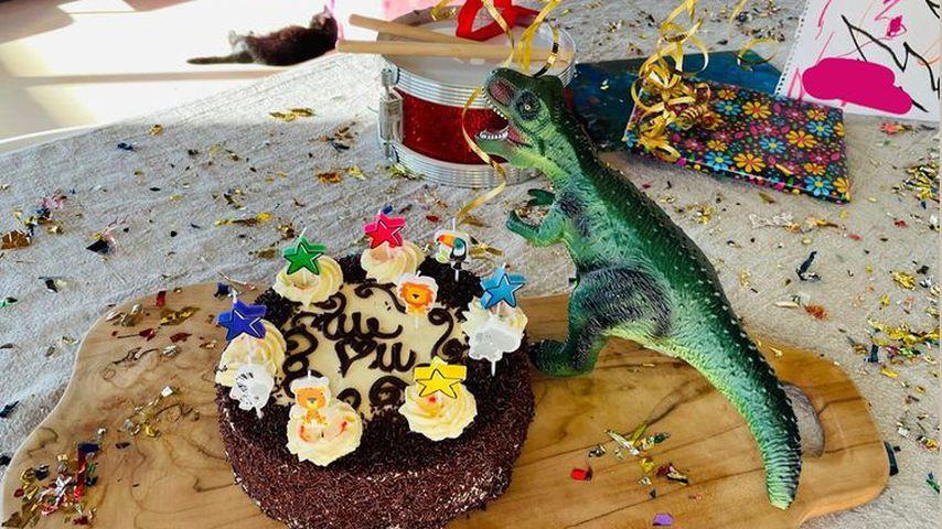 Von Diane Kruger gab es für Norman Reedus Kuchen und ein Dinosaurier-Spielzeug zum Geburtstag