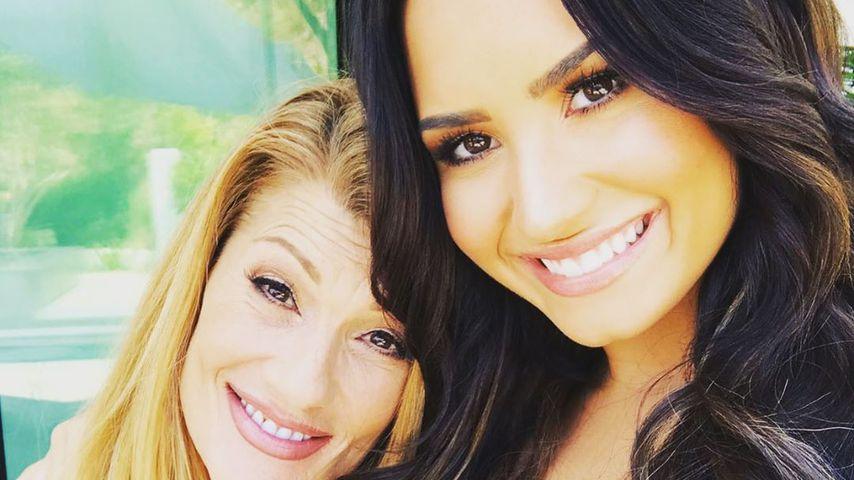 Dianna de la Garza und Demi Lovato im August 2019