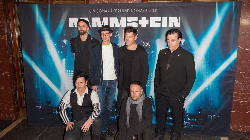 """Rammstein bei der Weltpremiere des Films """"Rammstein: Paris"""""""