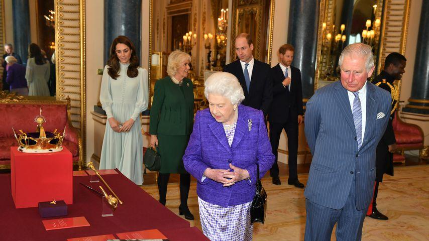 Die britischen Royals beim 50. Jubiläum des Prinzen von Wales