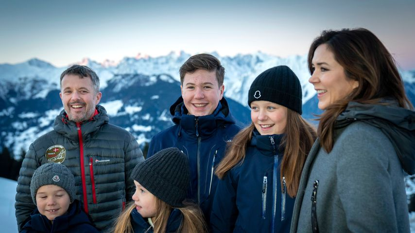 Prinz Frederik und Prinzessin Mary mit ihren Kindern in der Schweiz