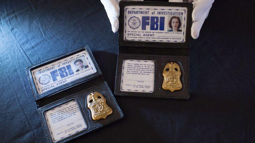 Die FBI-Ausweise von Scully und Mulder (X Files) bei einer Londoner Auktion im Jahr 2016
