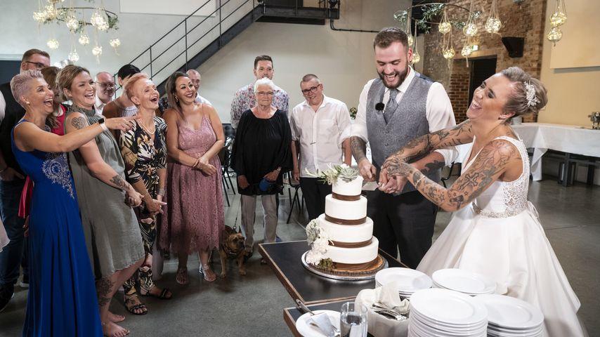 """Die """"Hochzeit auf den ersten Blick""""-Kandidaten Marc und Jessica bei ihrer Hochzeitsfeier"""