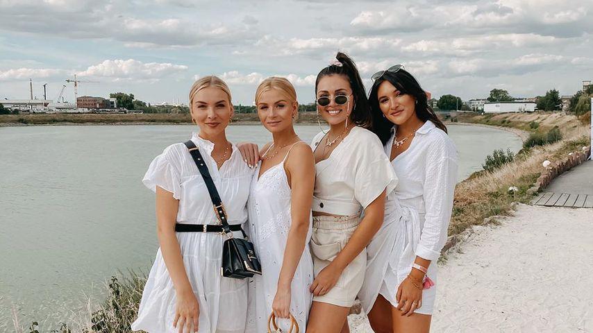 Die Influencerinnen Katrin und Patrizia Palme mit Anna Maria und Katharina Damm
