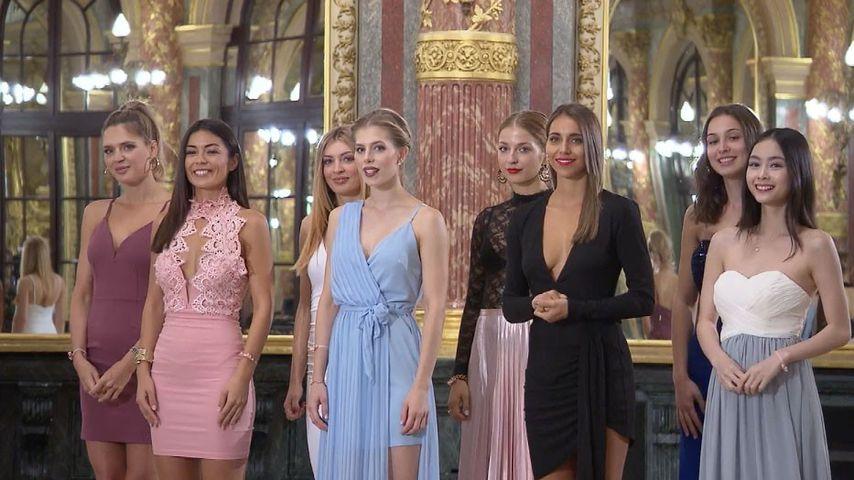 """Die Kandidatinnen von der RTL-Show """"Sylvies Dessous Models"""" am Set"""