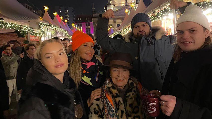 Cheyenne, Natascha, Jimi und Wilson Ochsenknecht mit Bärbel Wierichs