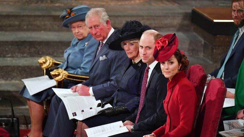 Die Queen, Prinz Charles, Herzogin Camilla, Prinz William und Herzogin Kate