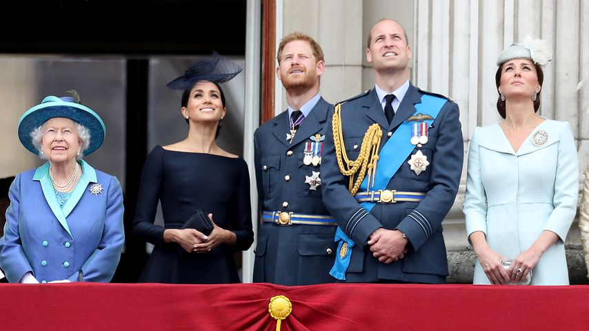 Die Queen, Herzogin Meghan, Prinz Harry, Prinz William und Herzogin Kate