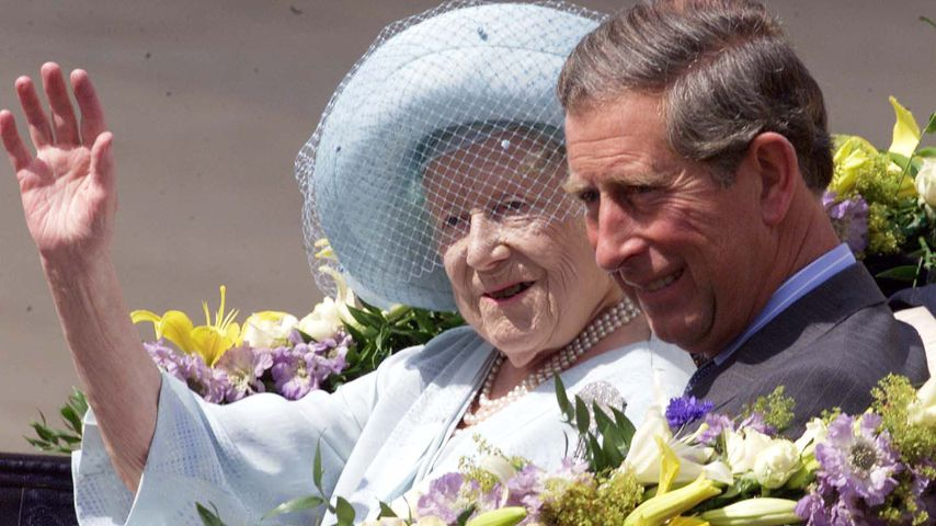 Die Queen Mother und Prinz Charles, August 2000