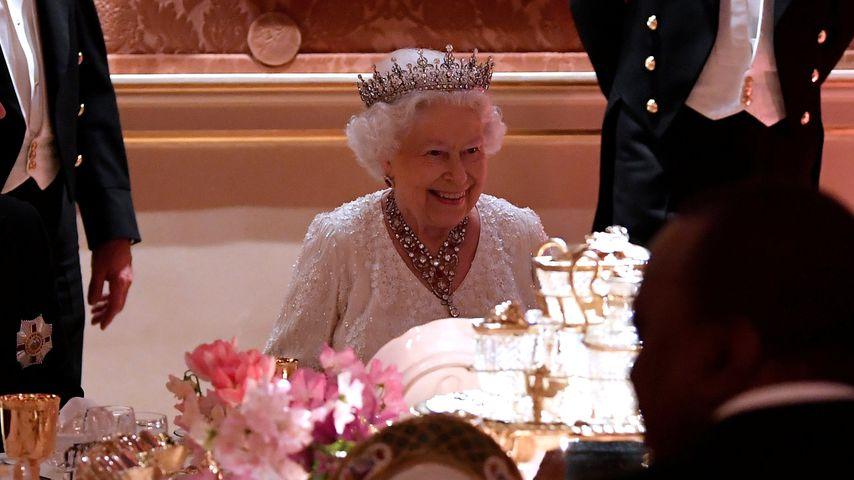 Sportliche Butler: Wenn die Queen Hunger hat, wird gelaufen!