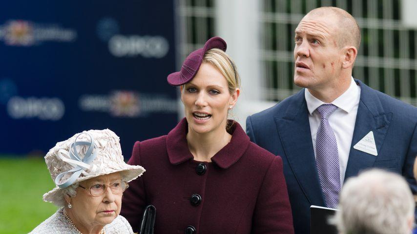 Die Queen und ihre Enkelin Zara mit ihrem Mann