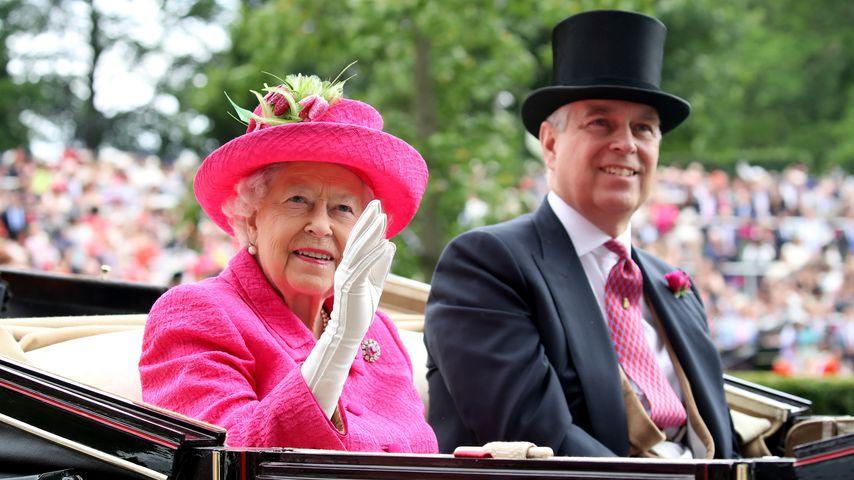 Queen Elizabeth II. und Prinz Andrew in Ascot