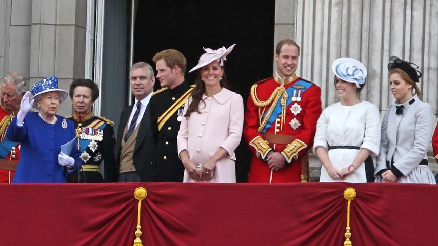 Prinz Harry, Prinz William, Queen Elizabeth II. und Herzogin Kate