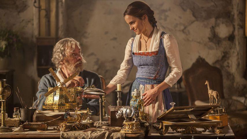 """""""Die Schöne und das Biest"""": Kevin Kline als Maurice und Emma Watson als Belle"""