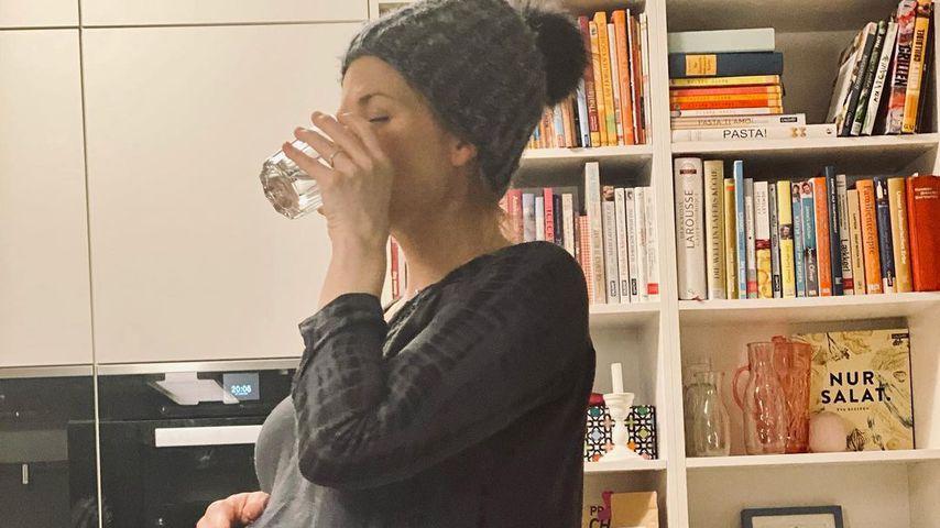 Kurz vor der Geburt: Nina Bott präsentiert ihren XXL-Bauch